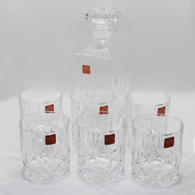 Set de Whisky 01 licorera + 06 vasos. Cristal RCR